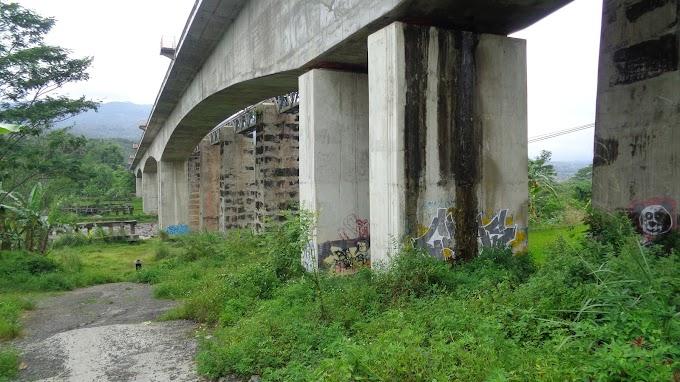 Jembatan kereta Api Saka Libel