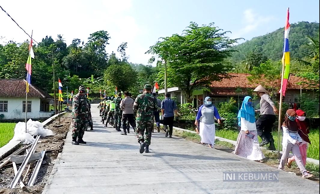 Dibangun TMMD, Warga Kaligending Kini Miliki Jalan Mulus Sepanjang 1 Kilometer