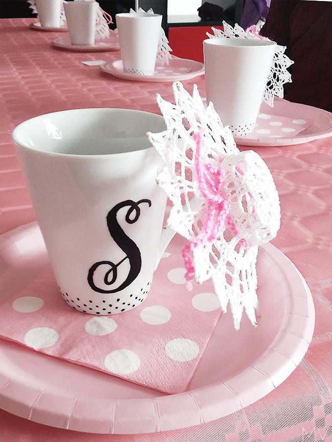 DIY personalized mugs - gift idea