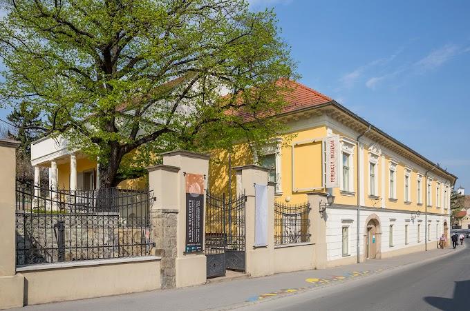 Hét őszi kiállítással jelentkezik a Ferenczy Múzeumi Centrum