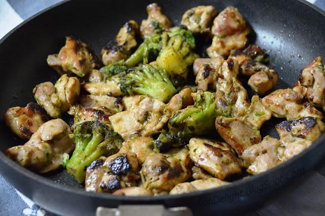 מוקפץ עוף וירקות Chicken and broccoli stir fry