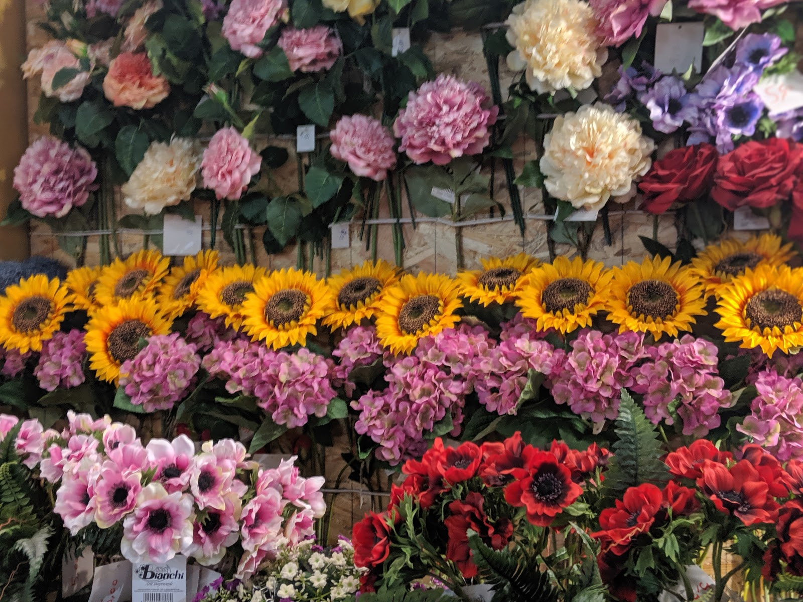 How to spend 5 hours in Florence - market flower stall