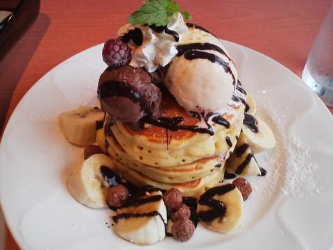 バースデーパンケーキ1 デニーズ猪高店