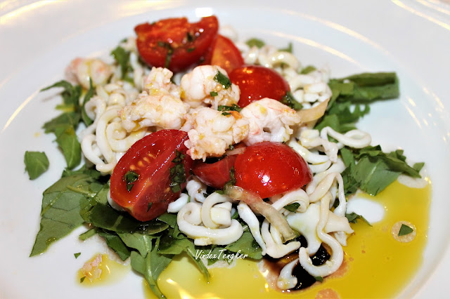 ENSALADA de TOMATE Y MOZZARELLA salad tomat dan keju mozzarella, vindex tengker