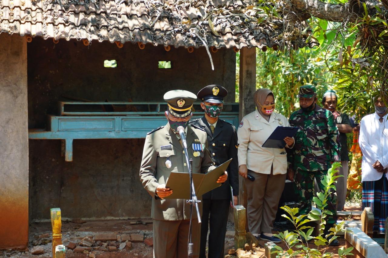 Wujud Bela Sungkawa, Kasdim Batang Pimpin Upacara Pemakaman