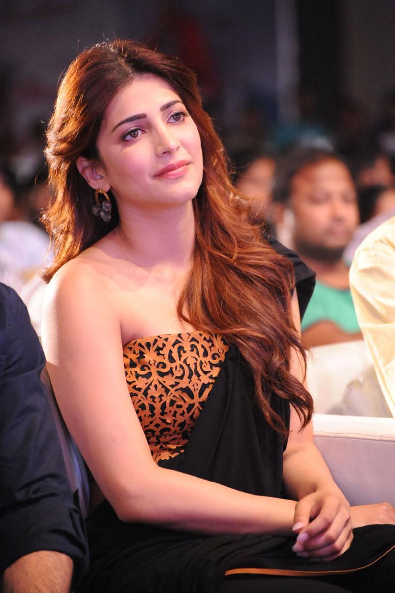 Shruti Hassan hot images