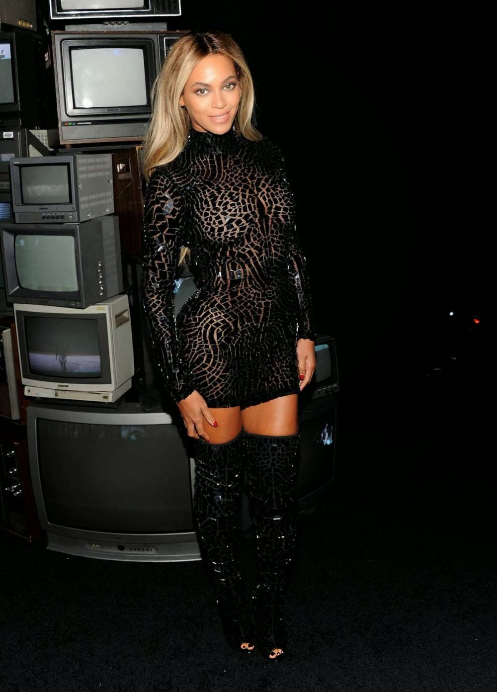 Beyonce-Thailand-2 - SAWFIRST