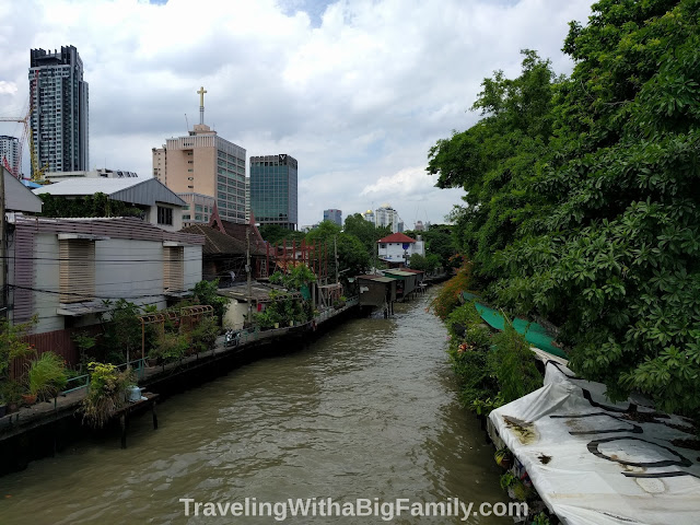 Traveling to Bangkok with a big family