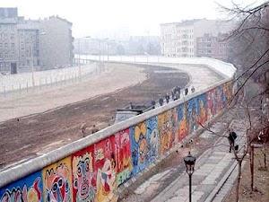 Sejarah Berdirinya Tembok Berlin