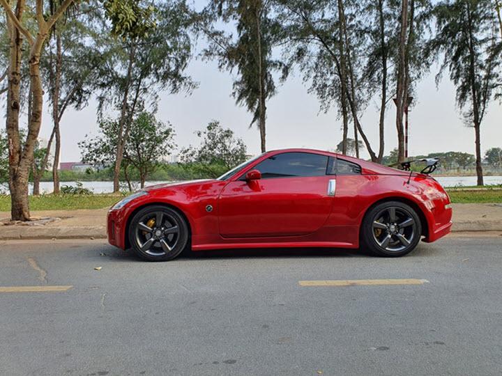 Nissan 350Z 13 năm tuổi giá ngang Mazda3 mới tại Việt Nam