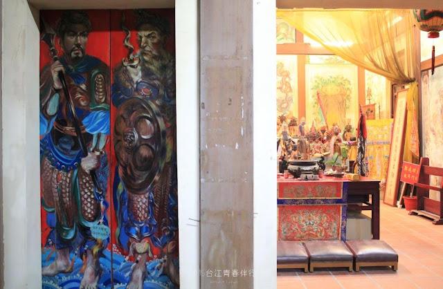 赤腳外國門神,是鎮門宮的獨特。
