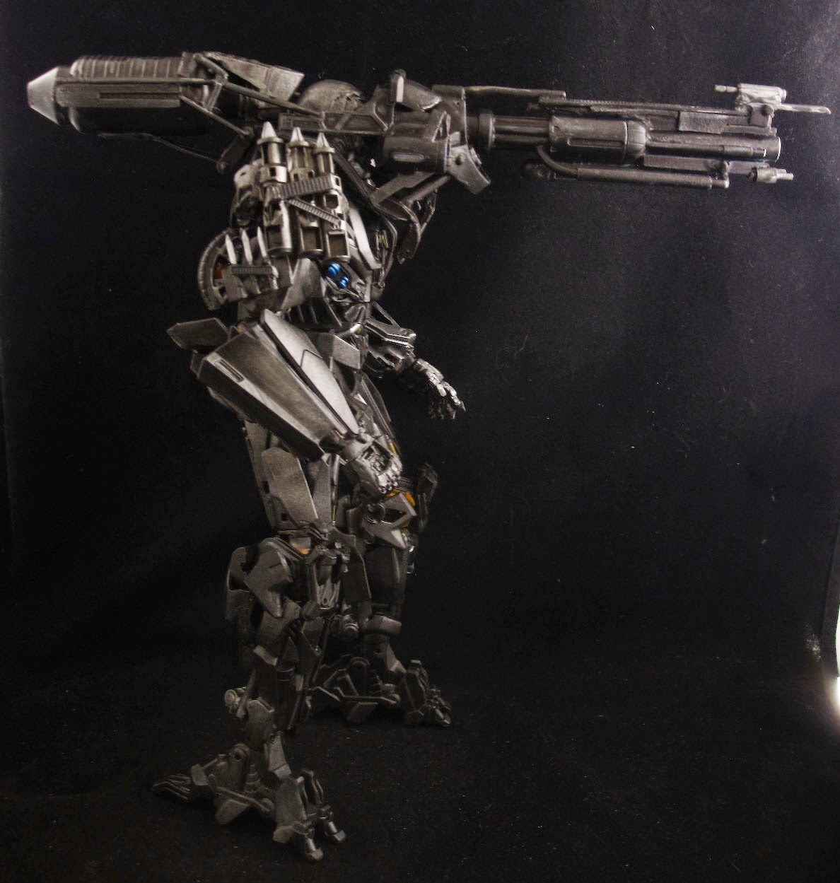 Transformers 4 age of extinction leader class Lockdown