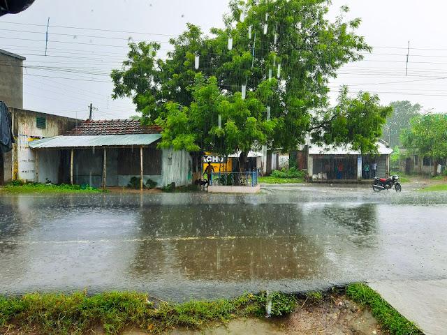 rainning, its rainning