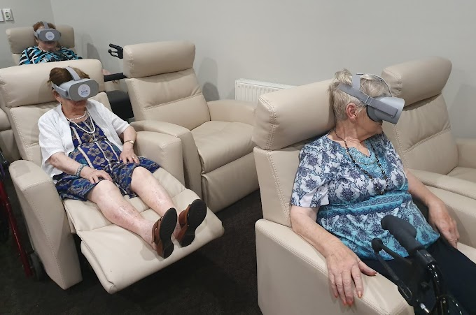 Facilitating connections in aged care during lockdown with virtual reality