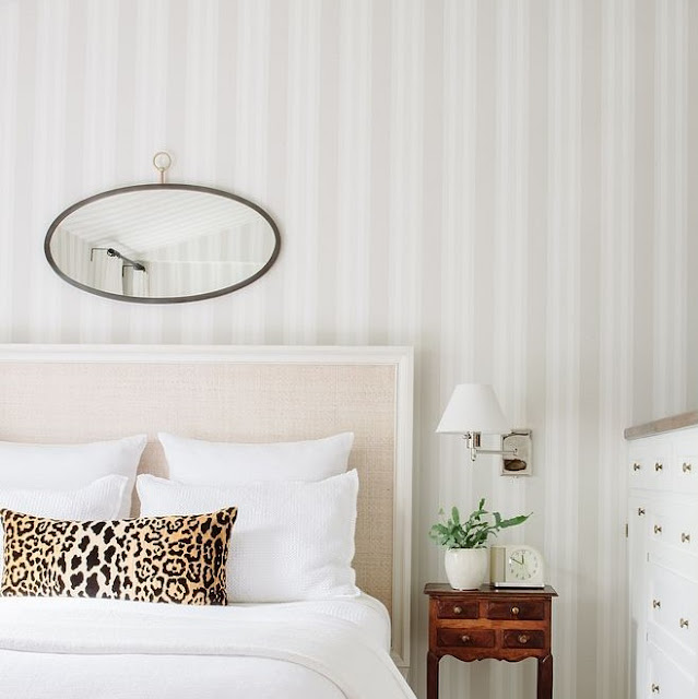 Wallpaper Dinding Kamar Tidur Romantis Terbaru
