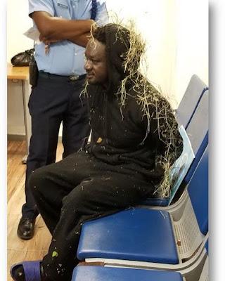 ¡INCREIBLE ! Un hombre trató de viajar de RD a Estados Unidos escondido en tren de aterrizaje - @EntreJerez - @CESAC_RD