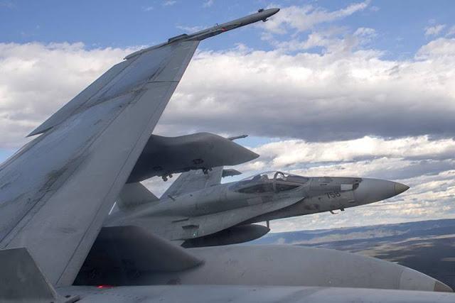 Raytheon contract radar Canada Hornet