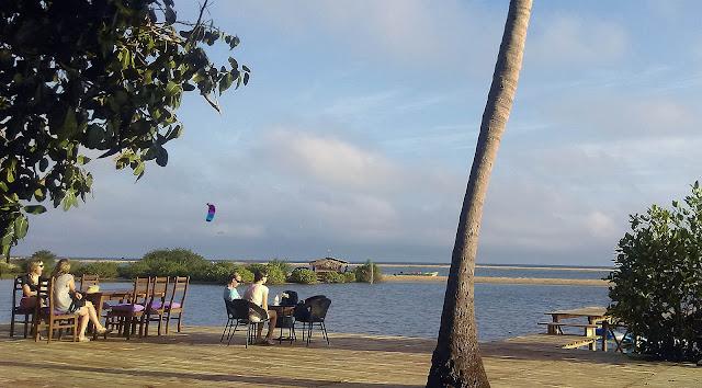 Kitesurf in front of Club Mango