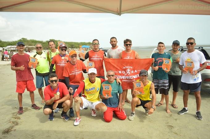 Maratona de verão na praia de Pernambuquinho