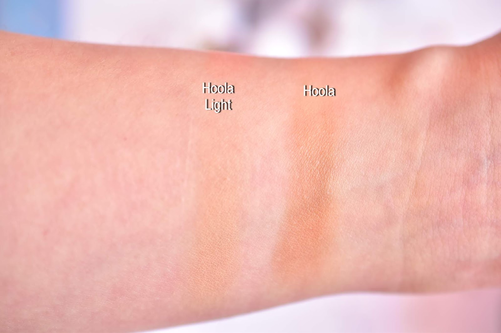 Benefit Hoola vs Hoola Light