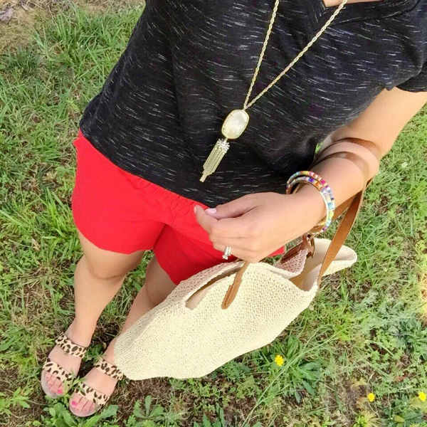 leopard sandals, kendra scott necklace