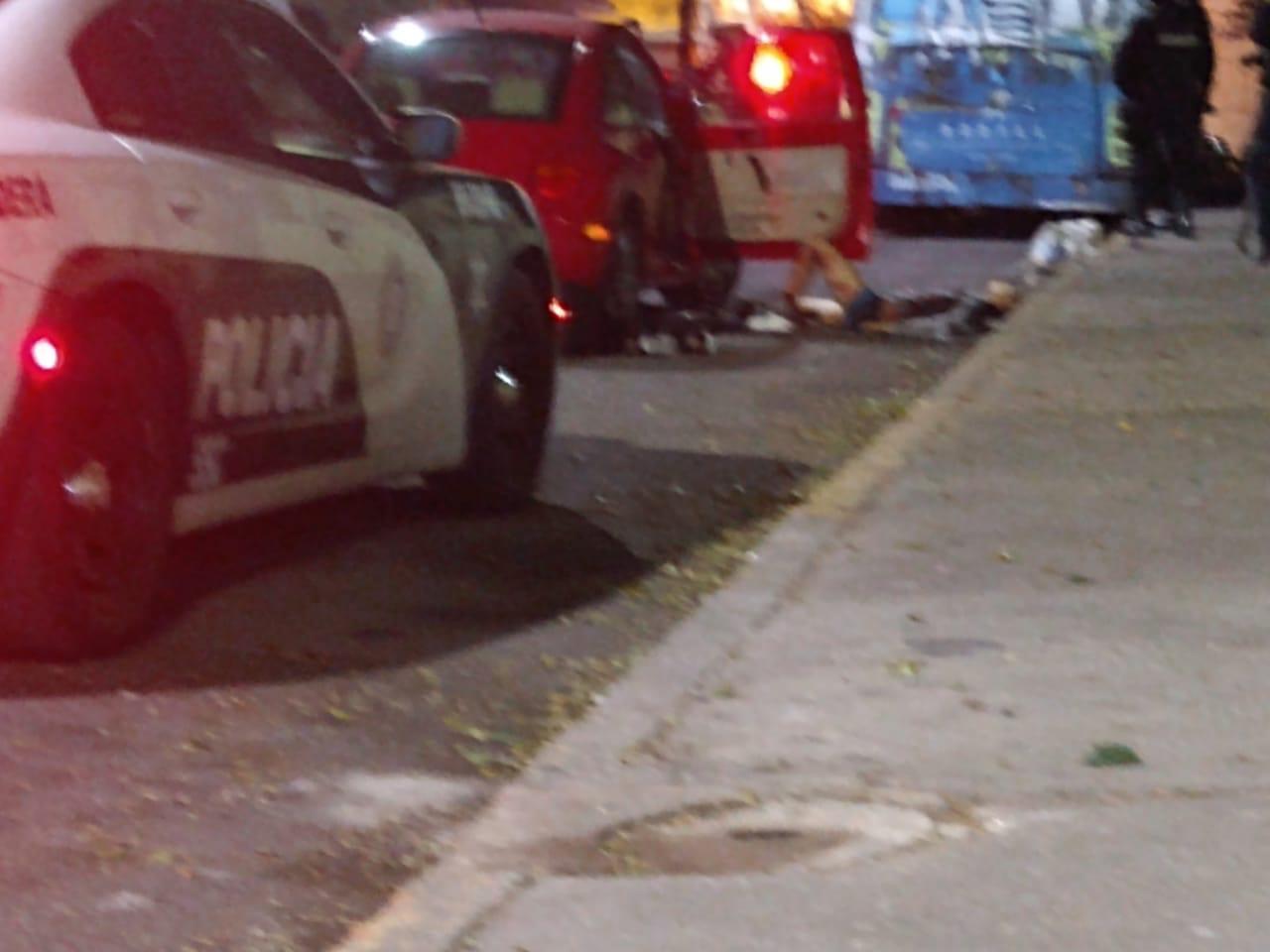 Ejecución estilo Narco: asesinan a 3 mujeres y un hombre al interior de un carro en calles de la GAM