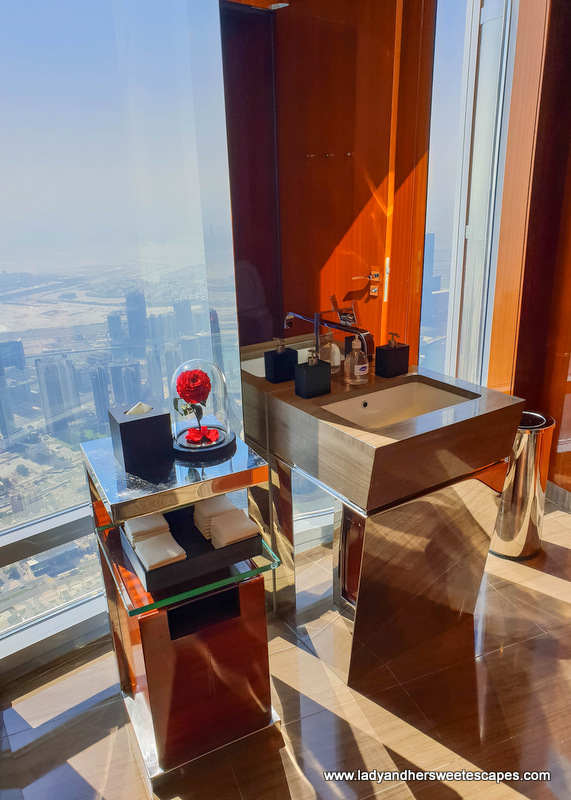 toilet views in Atmosphere Burj Khalifa