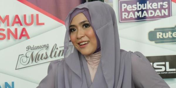 April Jasmine Trendsetter hijab