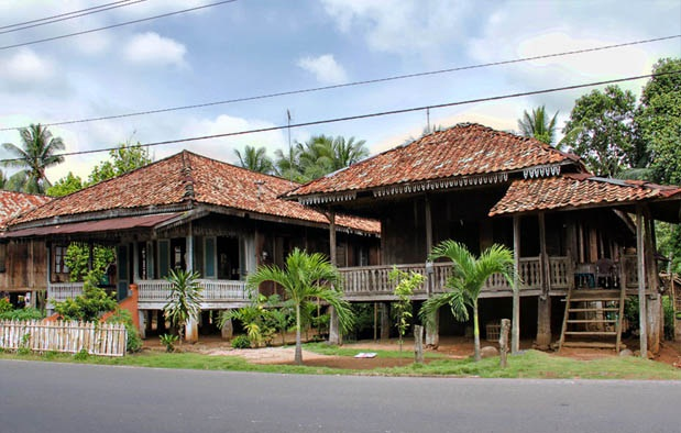 Rumah Adat Lampung Serta Penjelasannya ( Artikel Lengkap )