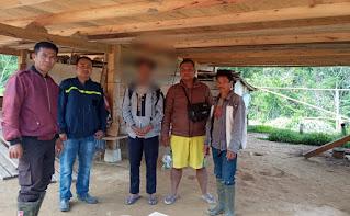 Pelaku persetubuhan terhadap anak di bawah umur yang merupakan ayah kandung Korban berhasil diamankan oleh Personil Polsek Rindingallo, pada Kamis (25/03/2021) sore.