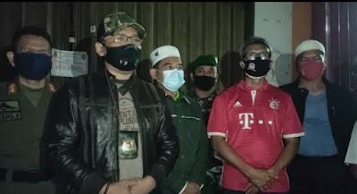 Satpol PP Kota Tangerang menutup sementara  beberapa tempat hiburan warnet dan game online di kota tangerang, foto istimewa korantangsel.com