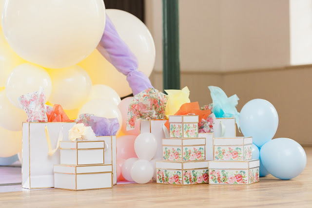 Let's get creative! Dress up gift bags with DIY watercolour ribbon.