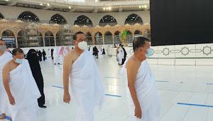 Di Depan Ka'bah, Jusuf Kalla Berdoa untuk Bangsa Indonesia