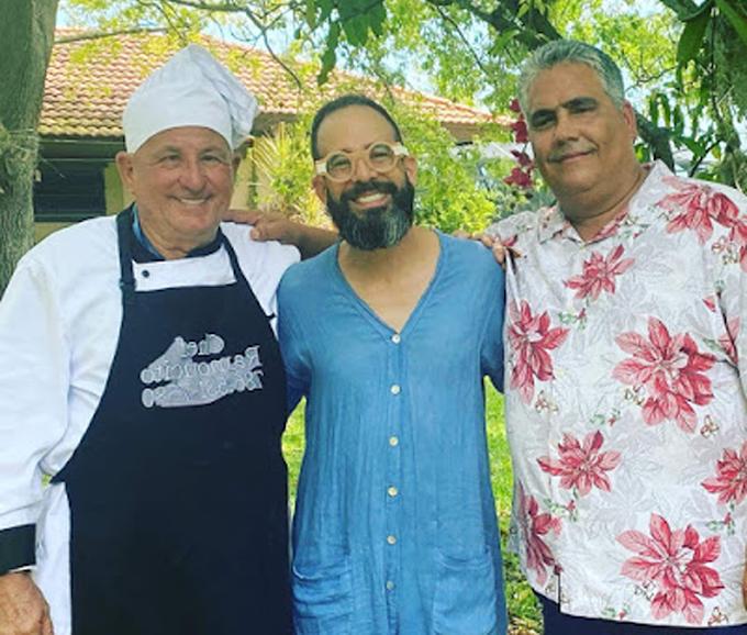 Otaola prepara party con el Chef Ramoncito mientras espera llegada del cohete chino