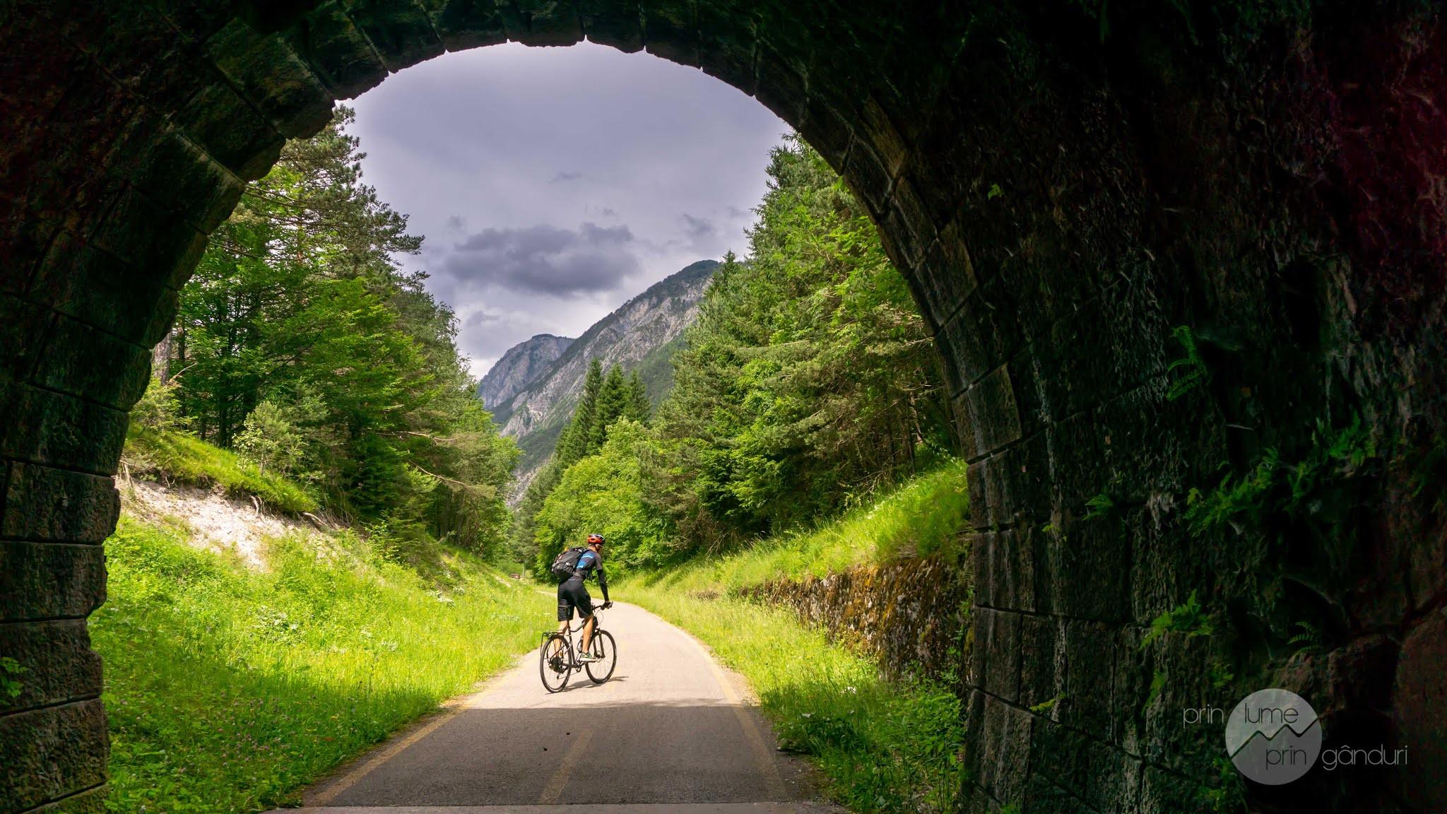 italia-dogna-cycling-18.jpg