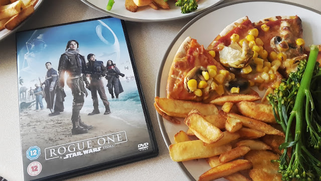 Project 365 2017 day 101 - Rogue One & pizza // 76sunflowers