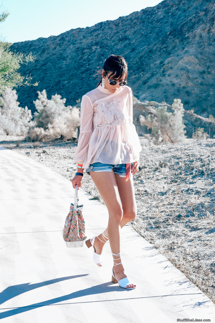 Levis denim Shorts, Lace top, Keepsake the label, fashion blogger, fashion blog, top ten fashion blogs, best fashion bloggers, top ten fashion bloggers, Black blogger, Desert style