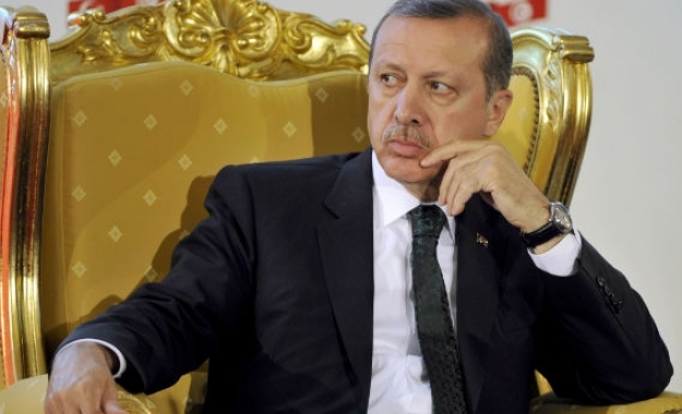 Η απάθεια της Δύσης απέναντι στην «δημοκρατική» δικτατορία Ερντογάν