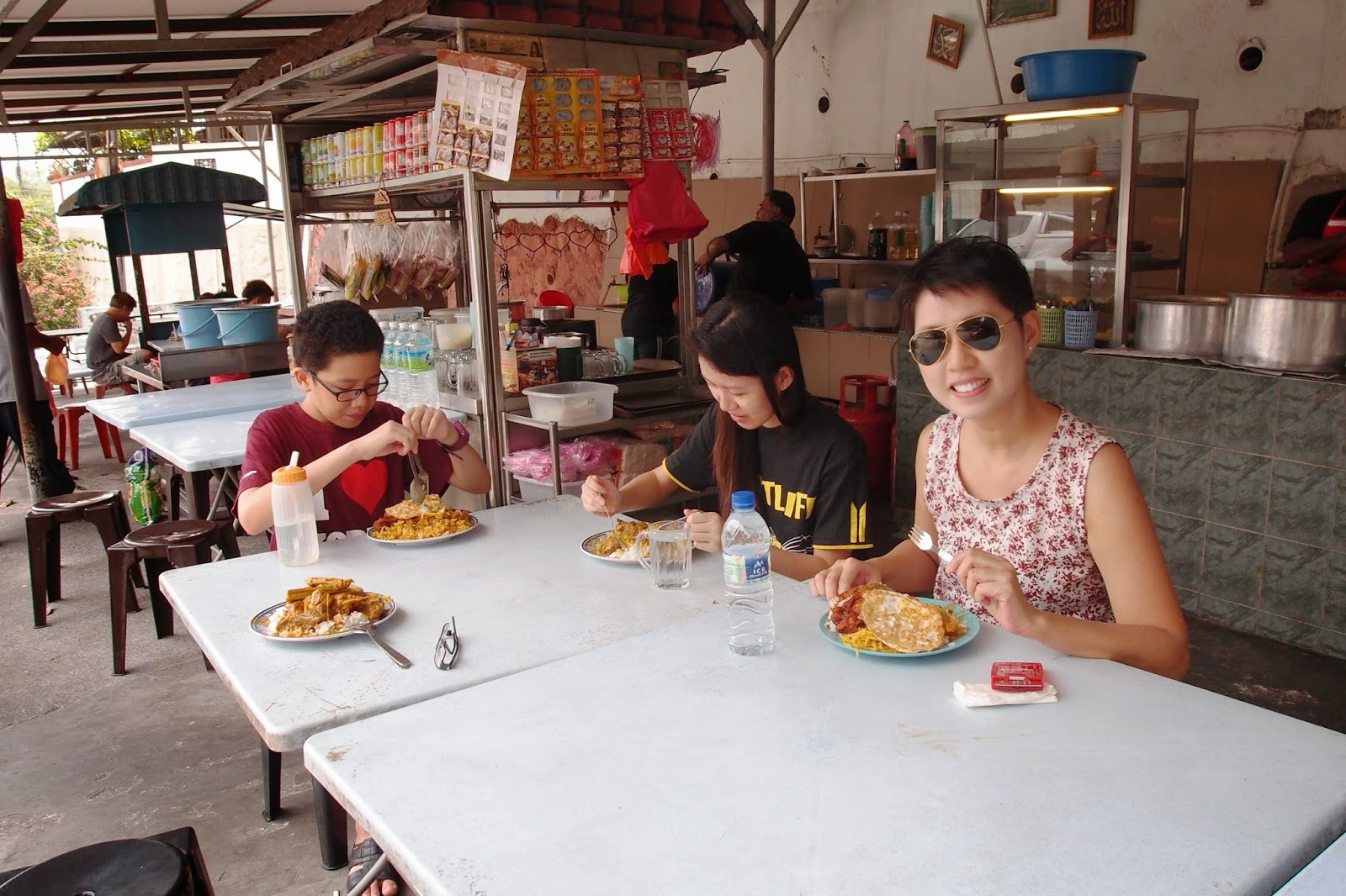 Follow Me To Eat La Malaysian Food Blog Ats Curry House Eating Under A Tree Pj Section 22