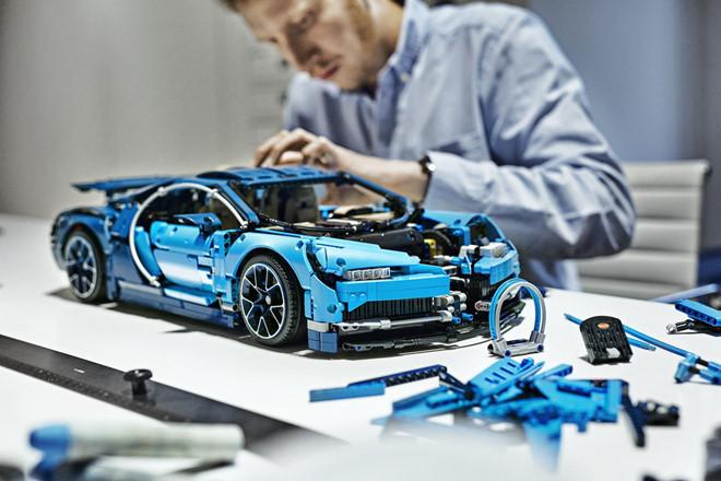 Mô hình siêu xe Bugatti Chrion LEGO có gì đặc biệt ?