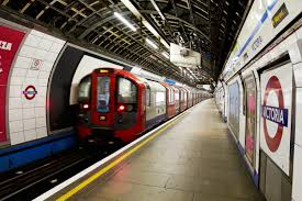 London Underground di inggris tempat yang paling sering dijadikan tempat untuk bunuh diri