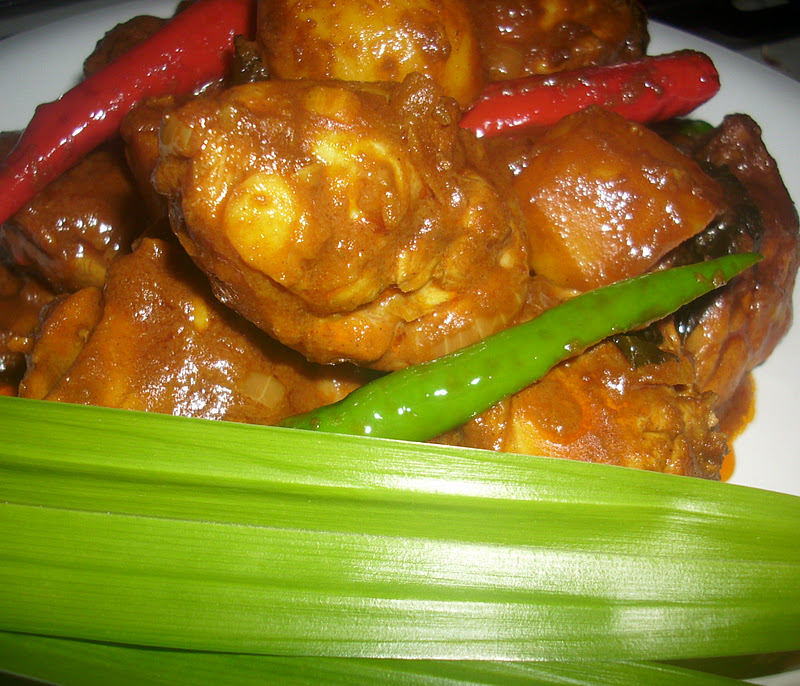 AMIE'S LITTLE KITCHEN: Resepi Nasi Tomato & Ayam Kari Beriani