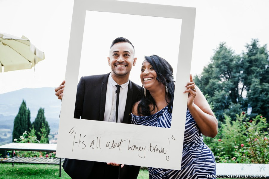 innocenti wedding photographer tuscany giant polaroid photo booth at villa destination wedding. Black Bedroom Furniture Sets. Home Design Ideas