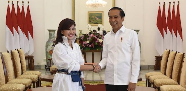 Disomasi Pemprov DKI, Pemilik Akun @IkeMutiP Diminta Buktikan Permintaan Hapus Foto dengan Presiden Jokowi