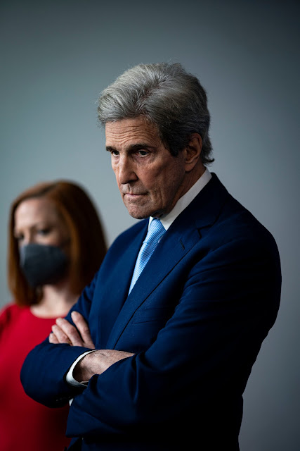 Portrait of John Kerry, the US presidential envoy for climate