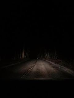 La carretera de Clinton Road de noche