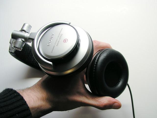 MDR V700, mdr-v700dj