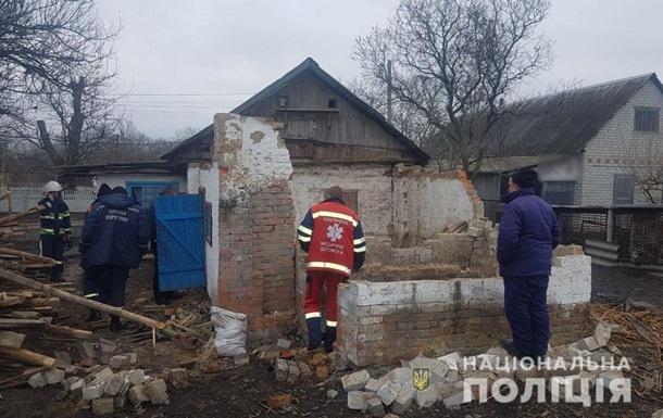 На Полтавщині дах будинку розчавив чоловіка