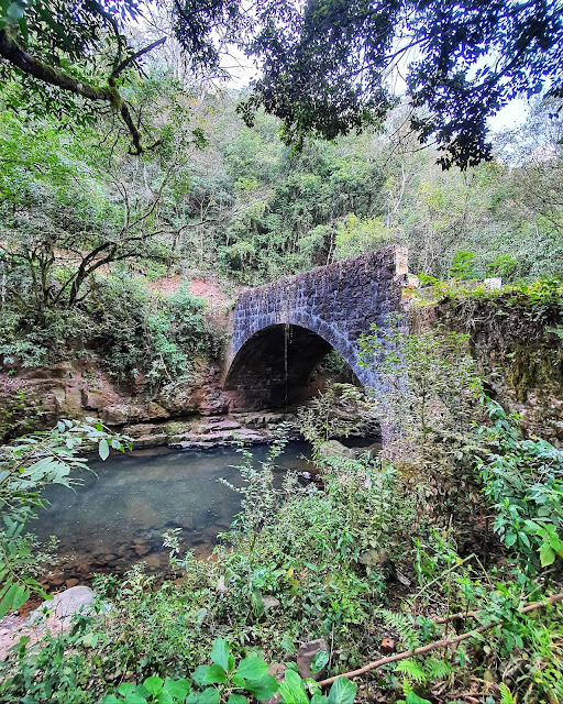 Ponte de Pedra de Pinto Bandeira