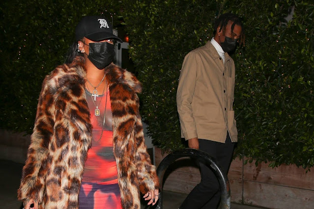 Rihanna – Leaves dinner at Giorgio Baldi in Santa Monica
